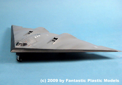B-3 Bomber - Fantastic Plastic - Catalog Photo 1
