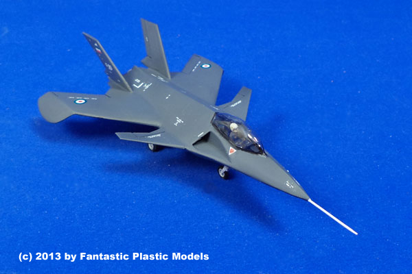 """Large Plastic Tub Qaher 313 Iranian """"Hoax"""" Stealth Fighter by Fantastic Plastic Models"""