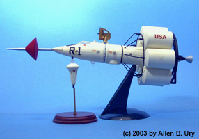 Disney RM-1 Moon Rocket - Strombecker - 3