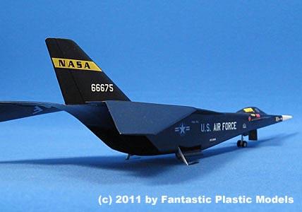 X 15 Rocket Plane 15-D 1:72 Model Kit by Fantastic Plastic